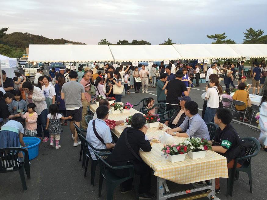 オープニングイベントにはたくさんの方がご来場くださいました。イベントは7月12日(金)から15日(月)までの4日間、開催され、寸劇や踊り、太鼓の演舞などが披露されました。